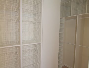 Wire shelving 25