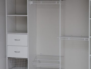 Wire shelving 27